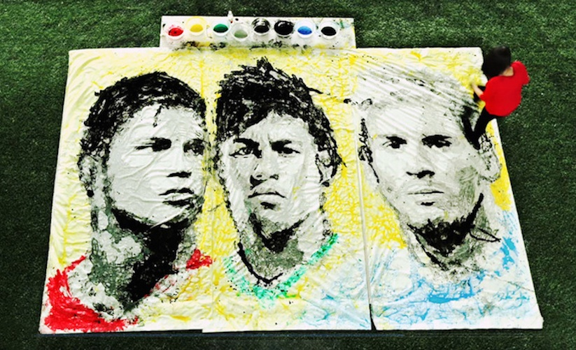 Portraits_of_World_Cup_Superstars_Painted_Only_By_Feet_and_Soccer_Ball_2014_04