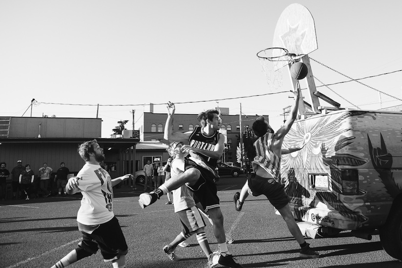 Rigsketball_A_Basketball_Tournament_Using_A_Hoop_Attached_To_A_Tour_Van_2014_03