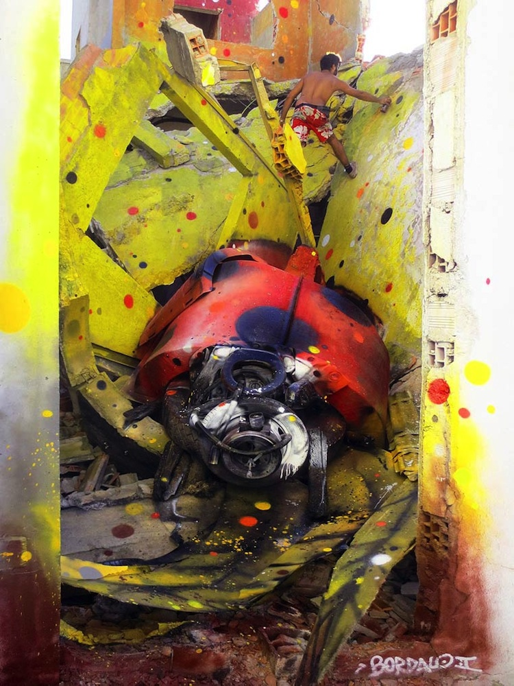 Stunning_3D_Creations_Made_Out_of_Trash_by _Bordalo_II_in_Lisbon_Portugal_2014_05