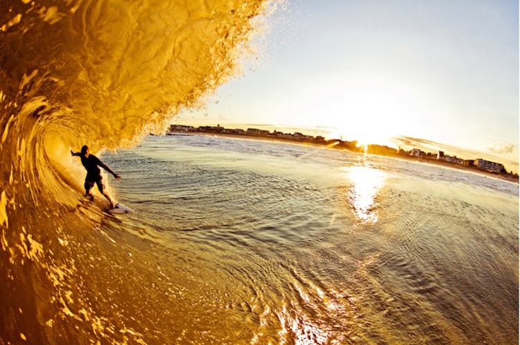 The_Thrill_Of_Surfing_Captured_In_Breathtaking_Photos_by_Ryan_Struck_2014_01