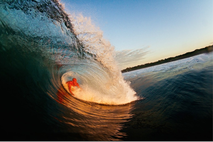 The_Thrill_Of_Surfing_Captured_In_Breathtaking_Photos_by_Ryan_Struck_2014_08