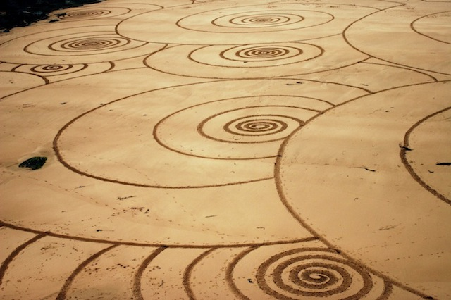 TonyPlant_sand_drawings_05