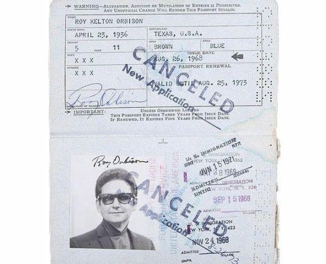 Vintage_passports_06