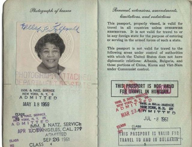 Vintage_passports_09