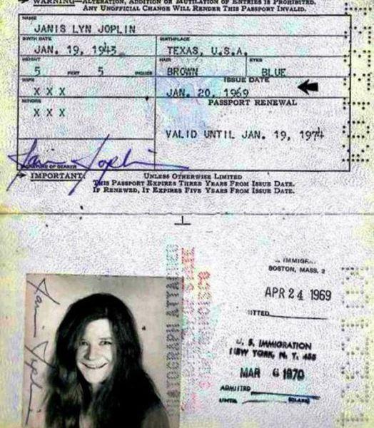 Vintage_passports_11
