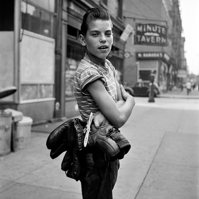 Vivian_Maier_Nearly_lost_Photography_2014_02