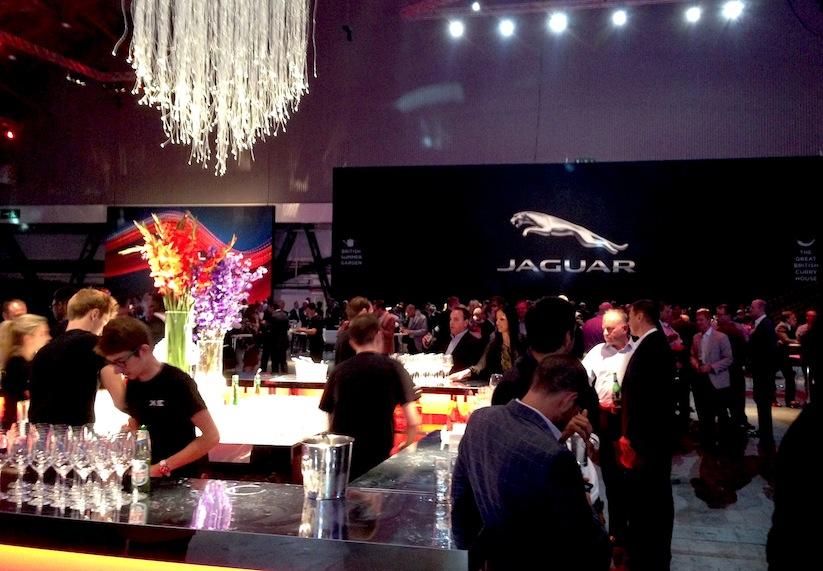 WHUDAT_in_London_Weltpremiere_des_neuen_Jaguar_XE_at_Earls_Court_2014_11