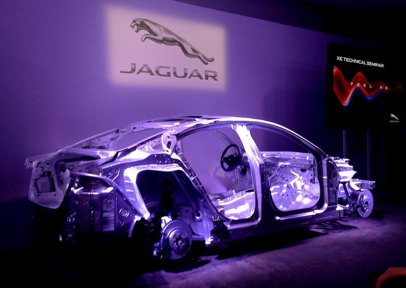 WHUDAT_in_London_Weltpremiere_des_neuen_Jaguar_XE_at_Earls_Court_2014_13
