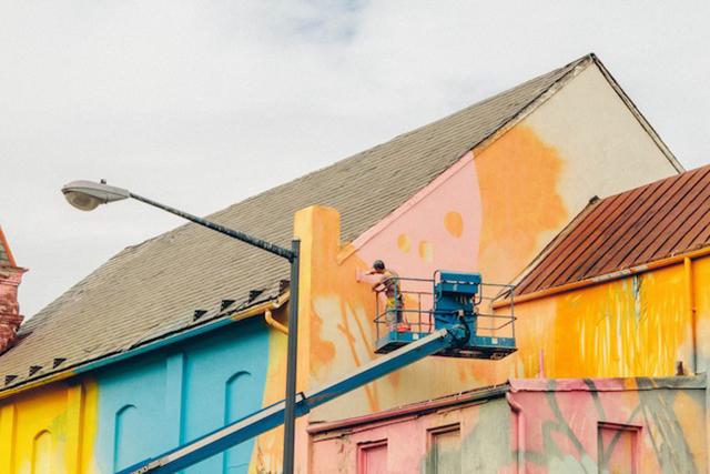Washington-D.C.-Graffiti-Covered-Church-by-Hense-5