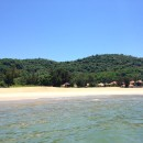 Blick aus dem Meer Richtung Resort