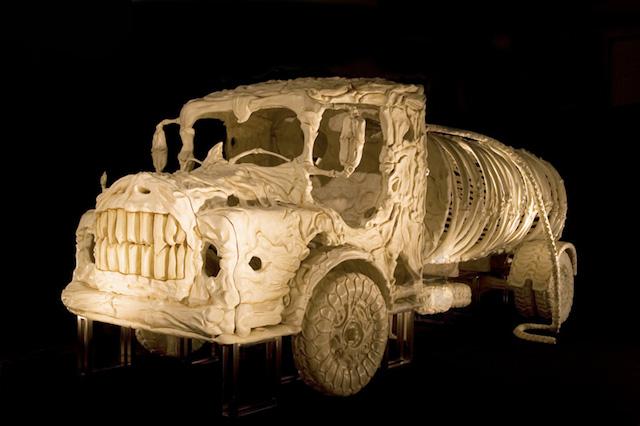 bone-vehicles-by-jitish-kallat_01