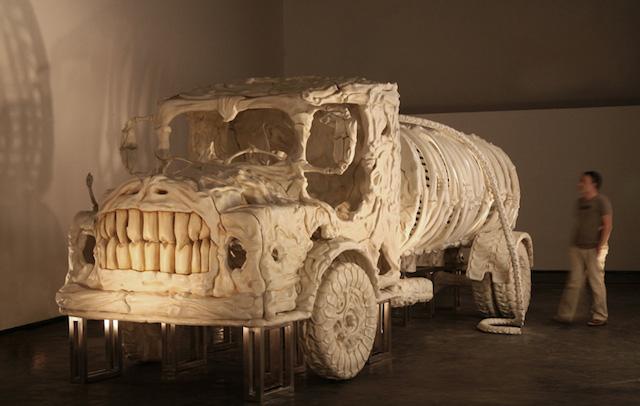 bone-vehicles-by-jitish-kallat_07