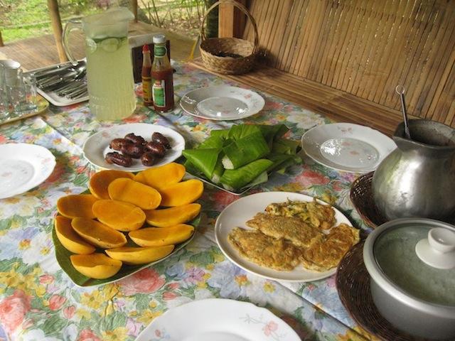 breakfast at Luhod