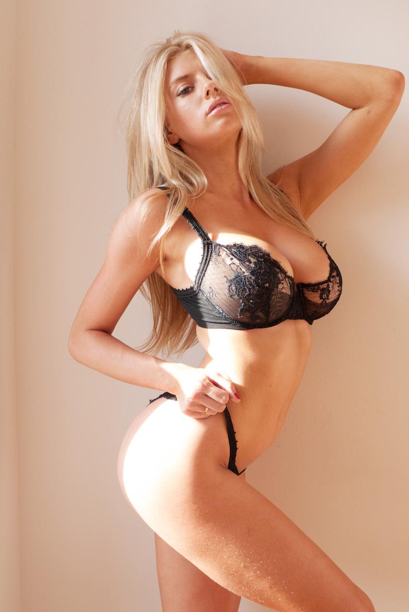 charlotte_mckinney_terry_richardson_09