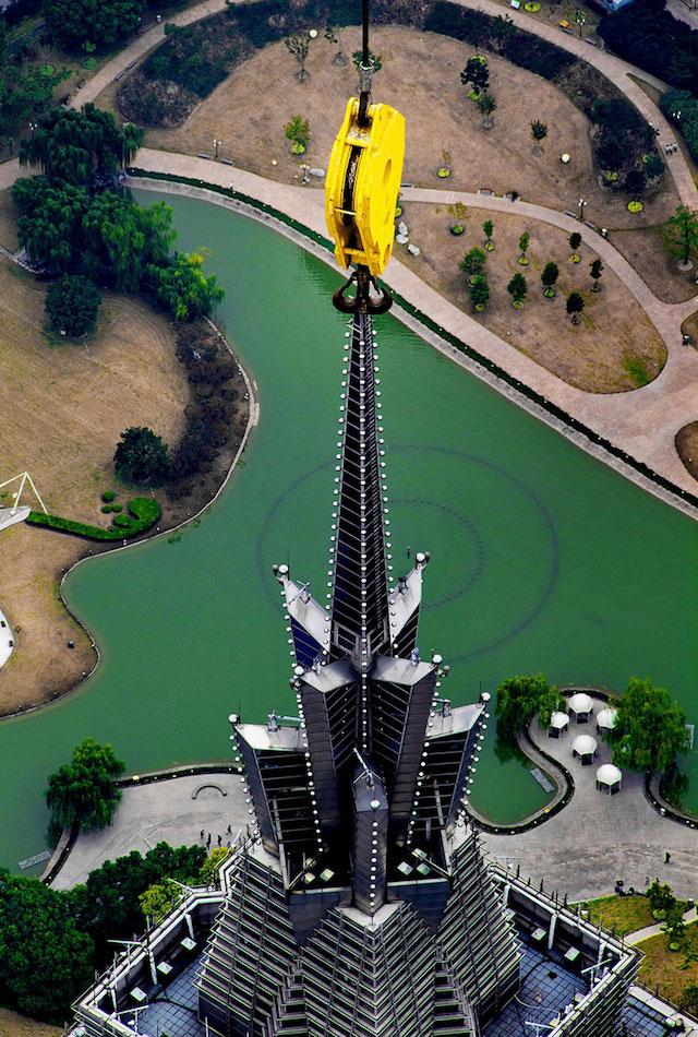 crane-operator-aerial-shanghai-photos-09