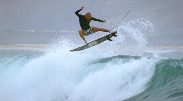 globe_surfing_4
