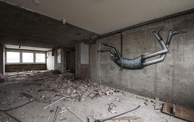 graffiti-hotel-abandoned_09