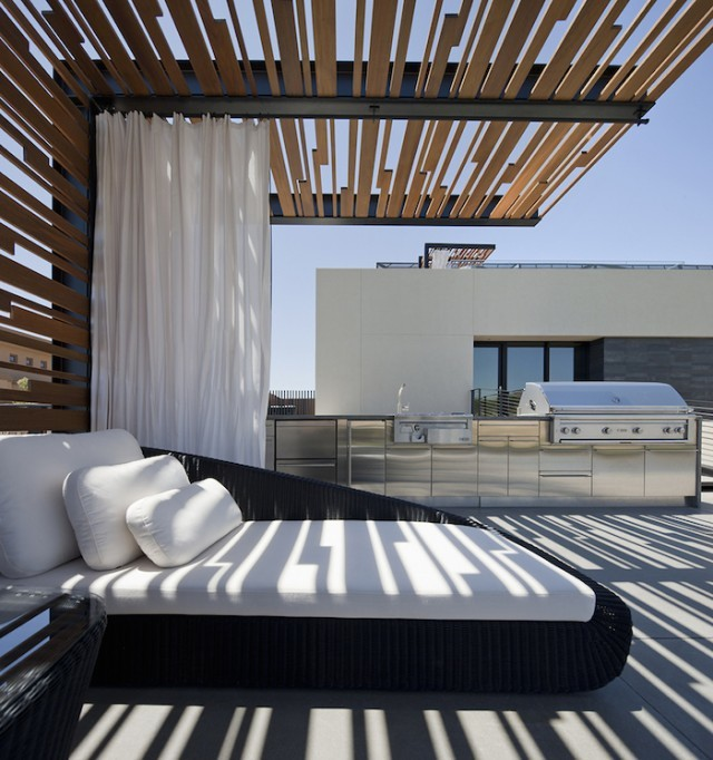 grey_house_in_las_vegas_04