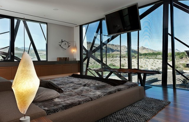 grey_house_in_las_vegas_07