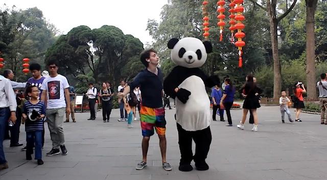 guy_dances_in_china_01