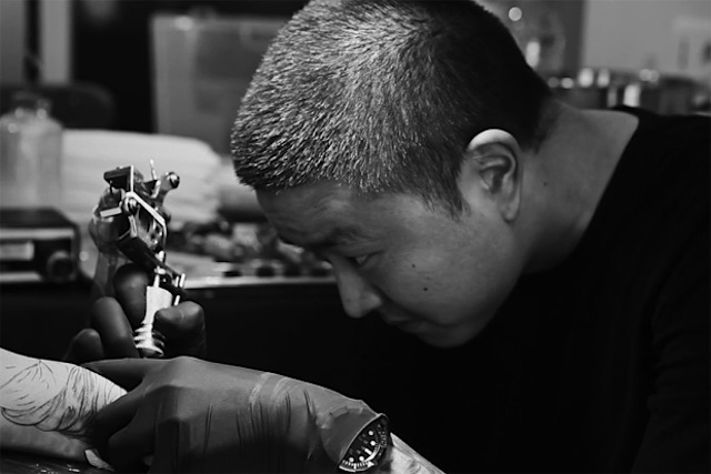 jun-cha-redefines-the-creative-process-of-tattooing