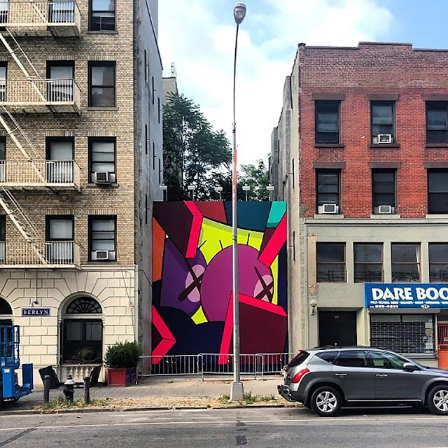 kaws_mural_nyc_usa_00