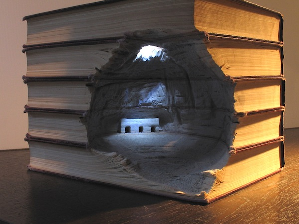 Bücher nebeneinander  Carved Landscapes in Books by Guy Laramee (13 Pictures)