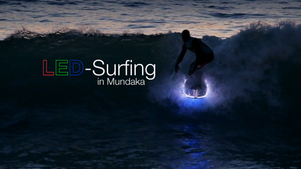Wasserbett led  Surfing in Mundaka with LED-Boards by Puka (2 Clips)