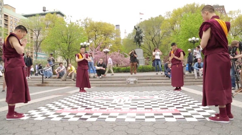 mca_day_buddhist_monks_02