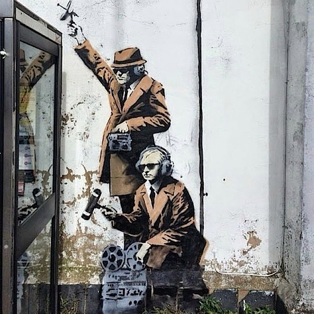 mobile_lovers_banksy_03