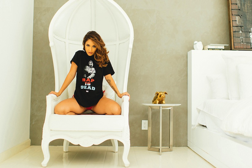 musa-holiday-2014-lookbook-featuring-tianna-gregory-06