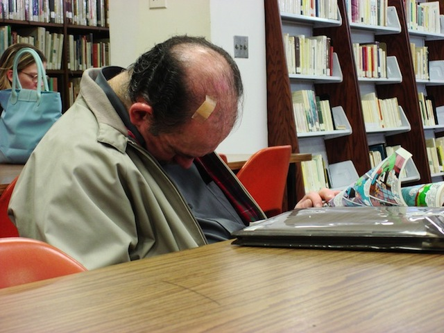 peoplesleepinginlibraries_06