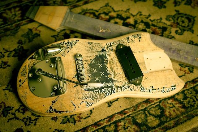 skate_guitars_02