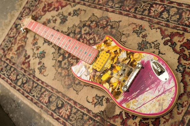 skate_guitars_06