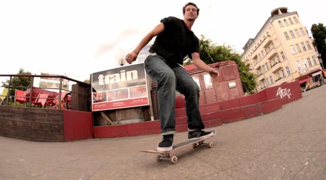 skating_east_west_berlin_04