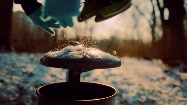 snow_free-running-640