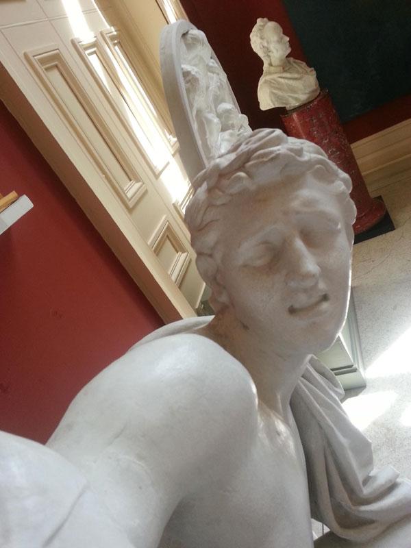 statue-selfies-crawford_art_01
