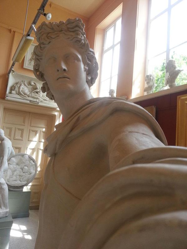 statue-selfies-crawford_art_02