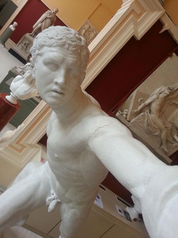 statue-selfies-crawford_art_03