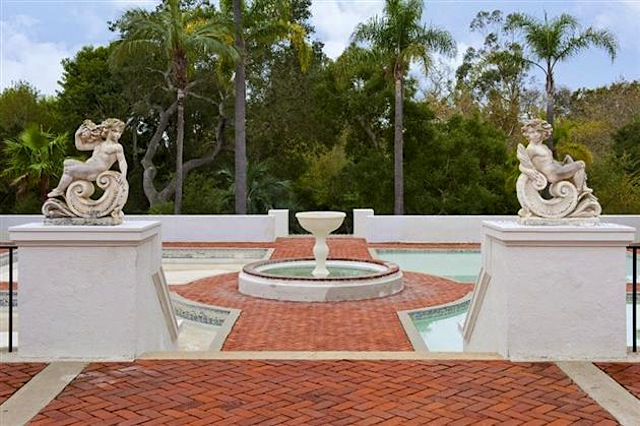 Tony Montana in the 1983 classic drug movie Scarface  In the movie the  dwelling was located in Miami  Florida  but in real life the home is  actually. Tony Montana s Scarface Mansion   For Rent  12 Pictures