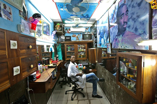 west-african_barbershops_01